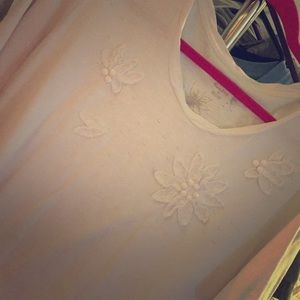 White Short-sleeve shirt with Floral Detail